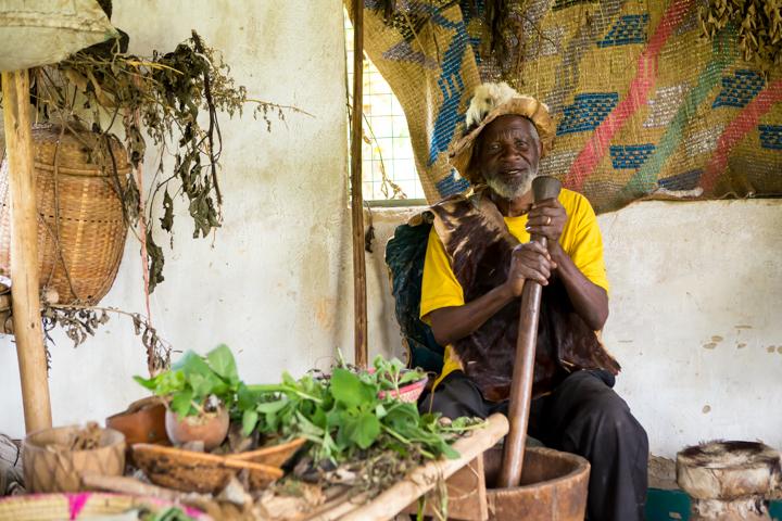 professional-photography, orlando-travel-photographer, uganda, the-people-of-uganda, pygmies, medicine-man, bwindi-national-park, www.dynamitestudioinc.com-38.jpg