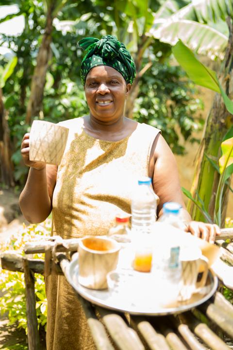 professional-photography, orlando-travel-photographer, uganda, the-people-of-uganda, pygmies, medicine-man, bwindi-national-park, www.dynamitestudioinc.com-40.jpg