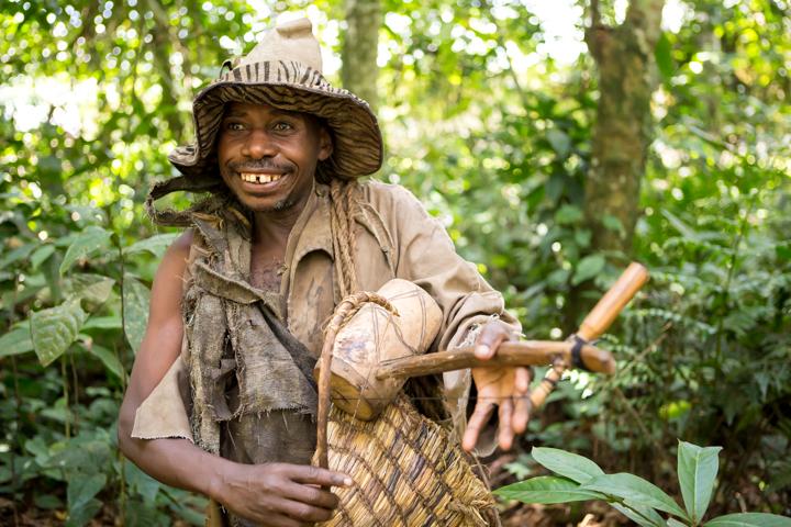 professional-photography, orlando-travel-photographer, uganda, the-people-of-uganda, pygmies, medicine-man, bwindi-national-park, www.dynamitestudioinc.com-43.jpg