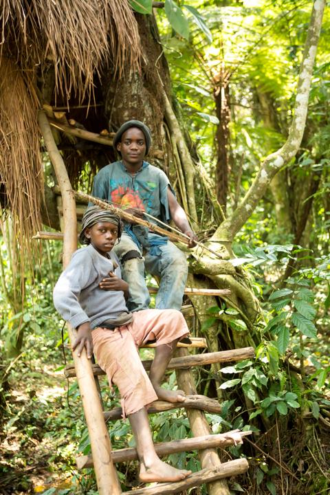 professional-photography, orlando-travel-photographer, uganda, the-people-of-uganda, pygmies, medicine-man, bwindi-national-park, www.dynamitestudioinc.com-52.jpg