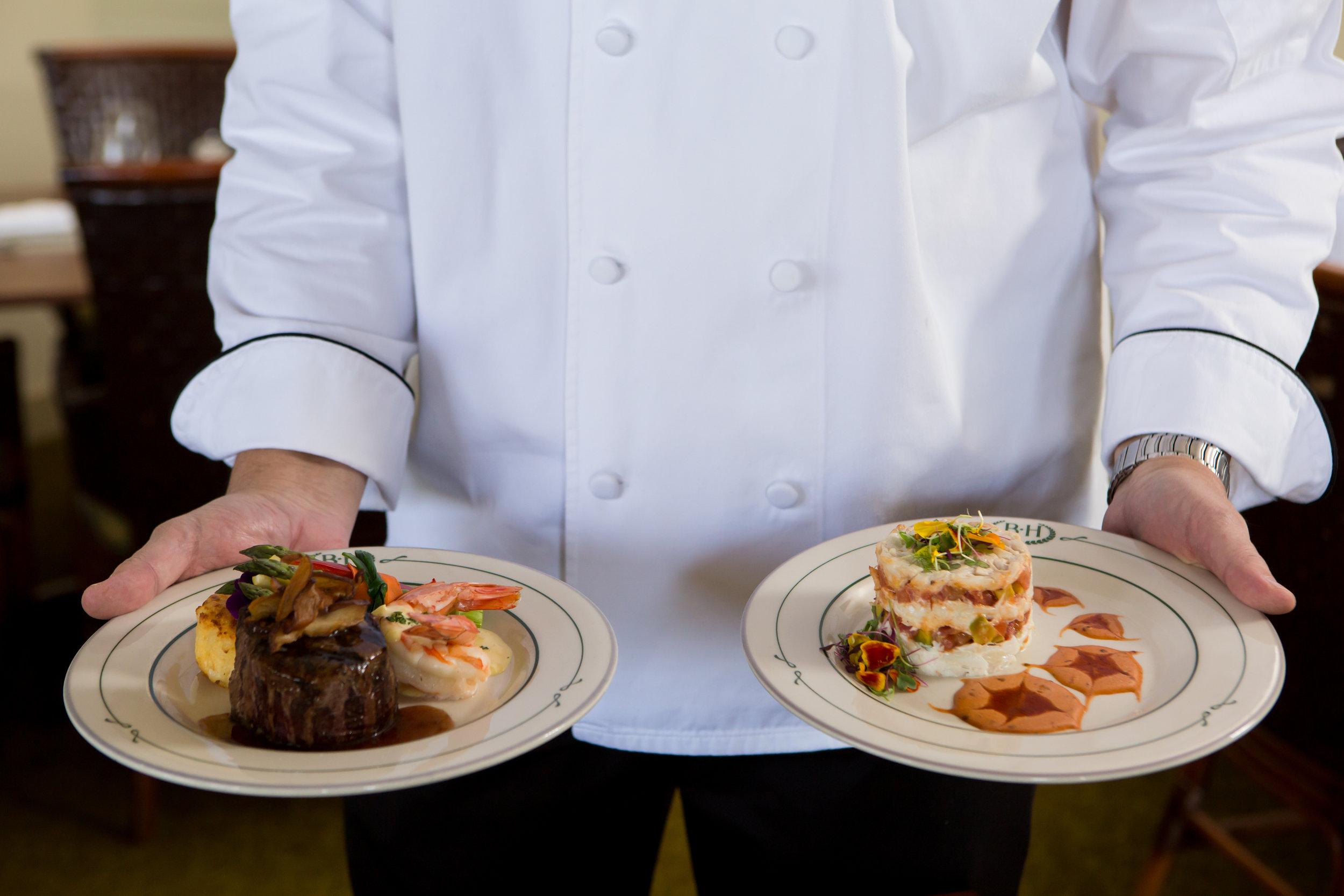 food-photography-chef-portrait-golf-dynamite-studio-serving-food.jpg