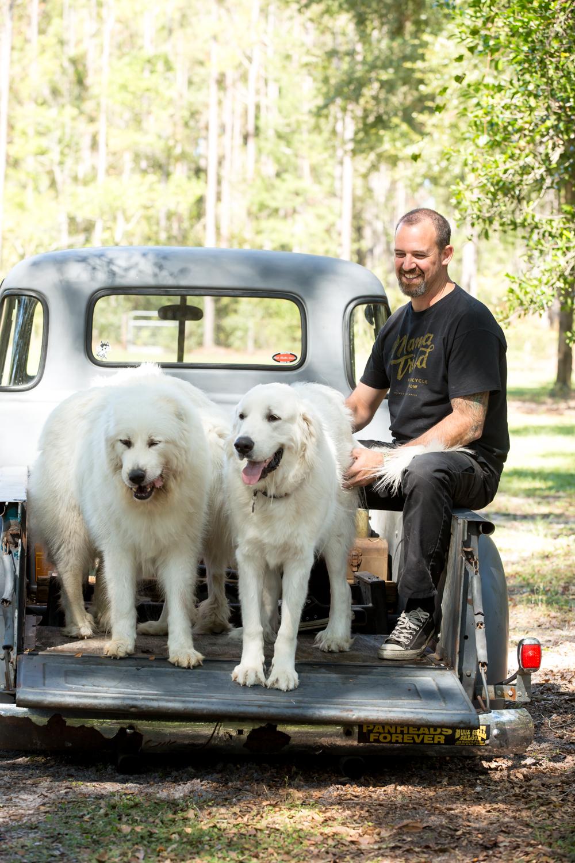 UTI-lifestyle-www.dynamitestudioinc.com-orlando-professional-photographer-photography-98-mechanic-dogs.jpg