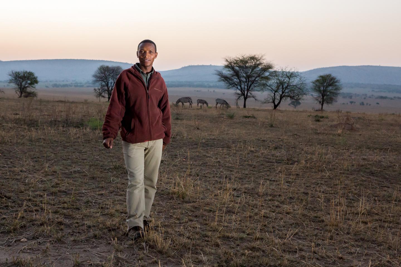 professional-travel-photographer-worldwide-international-orlando-serengeti-africa-guide-portrait-29.jpg