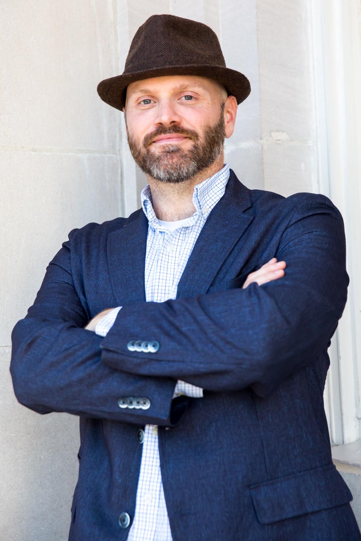 00-www.dynamitestudioinc.com-headshot-corporate-business-profile-small-business-men-pose-2.jpg