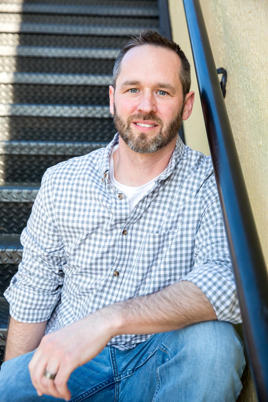 00-www.dynamitestudioinc.com-headshot-stairs-linkedin-corporate-business-profile-small-business-19.jpg