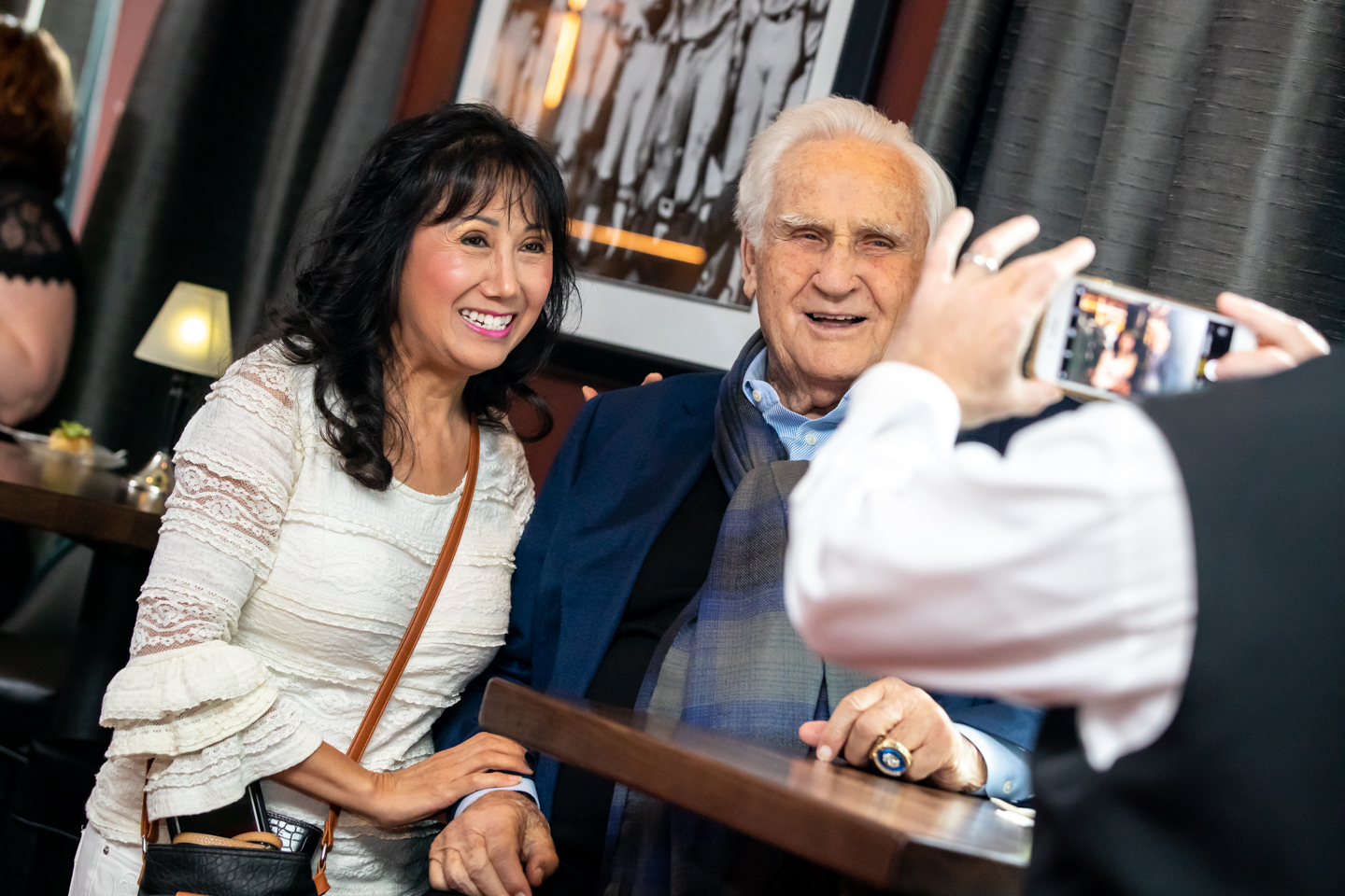 don-shula-shulas-disney-dolphin-swan-vip-picture-fans-orlando-event-photographer-professional-300dpi-yellows-5.jpg