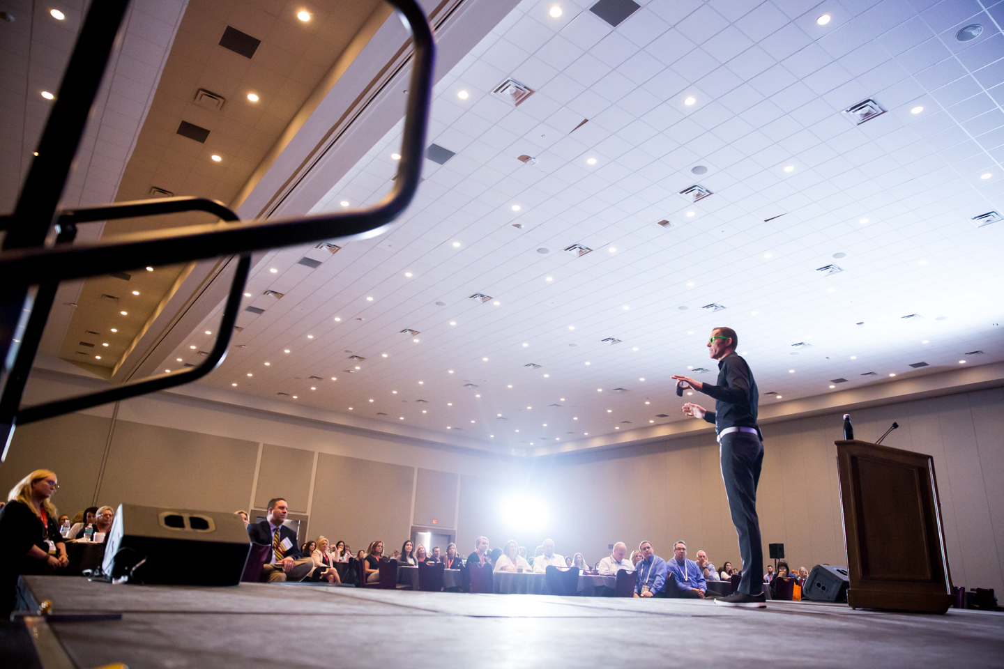 AAPPR-Erik-green-glasses-orlando-professional-photography-corporate-conference.jpeg