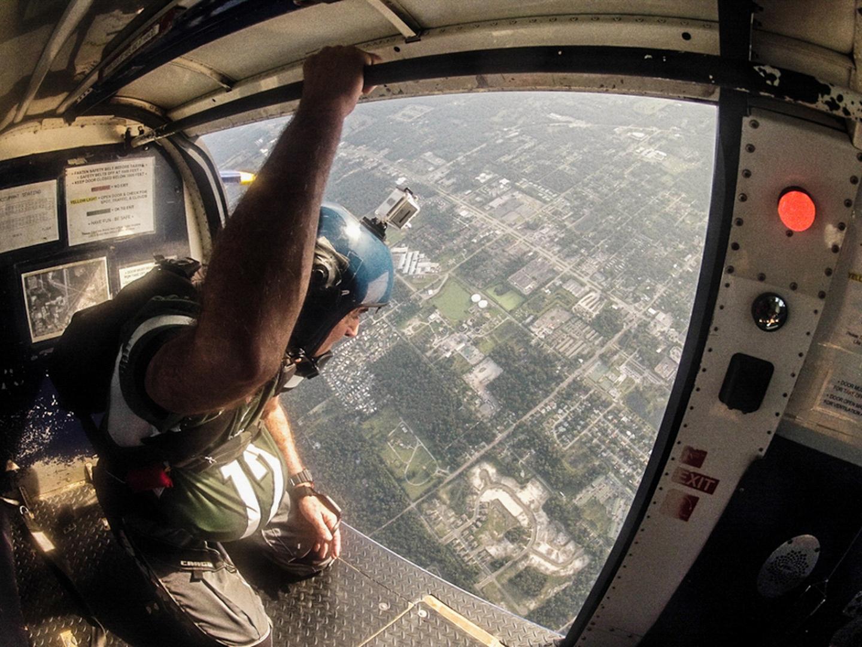 professional-lifestyle-photographer-orlando-fl-candid-documentary-skydiving-skydiver-5.jpg