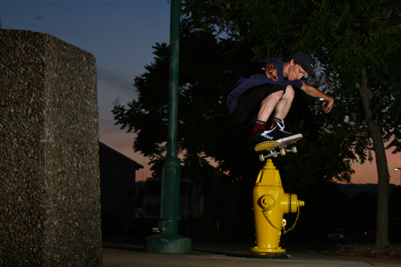Randy Rhodes: Ollie Hydrant  Chattanooga, Tennessee   Photography: Wil Harcrow