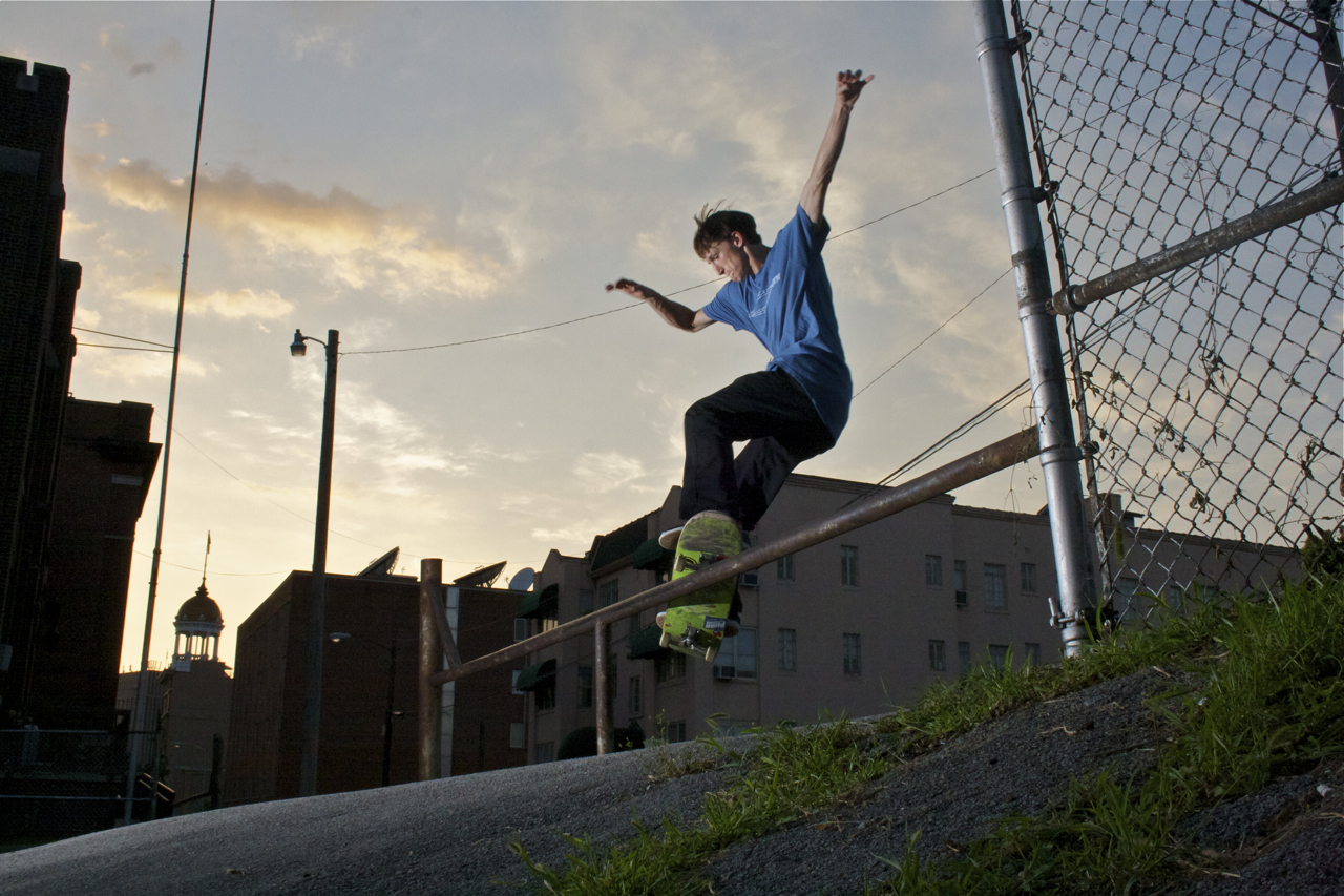 Randy Rhodes: Smith Grind  Chattanooga, Tennessee  Photography: Wil Harcrow