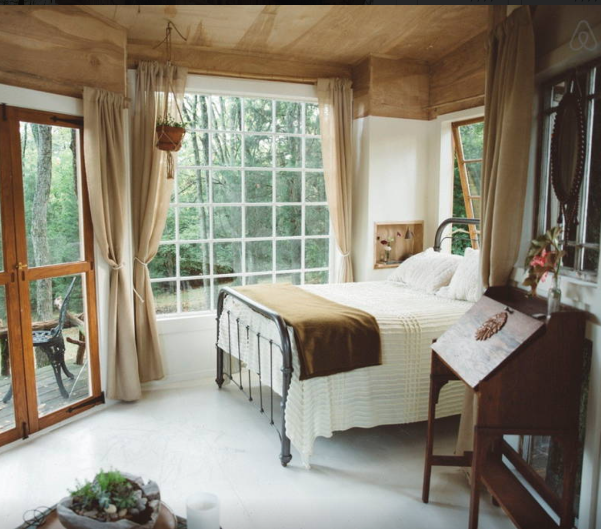 An example of lovely hospitality = our friends  Sloane and Emily Leonard Southard's guesthouse .