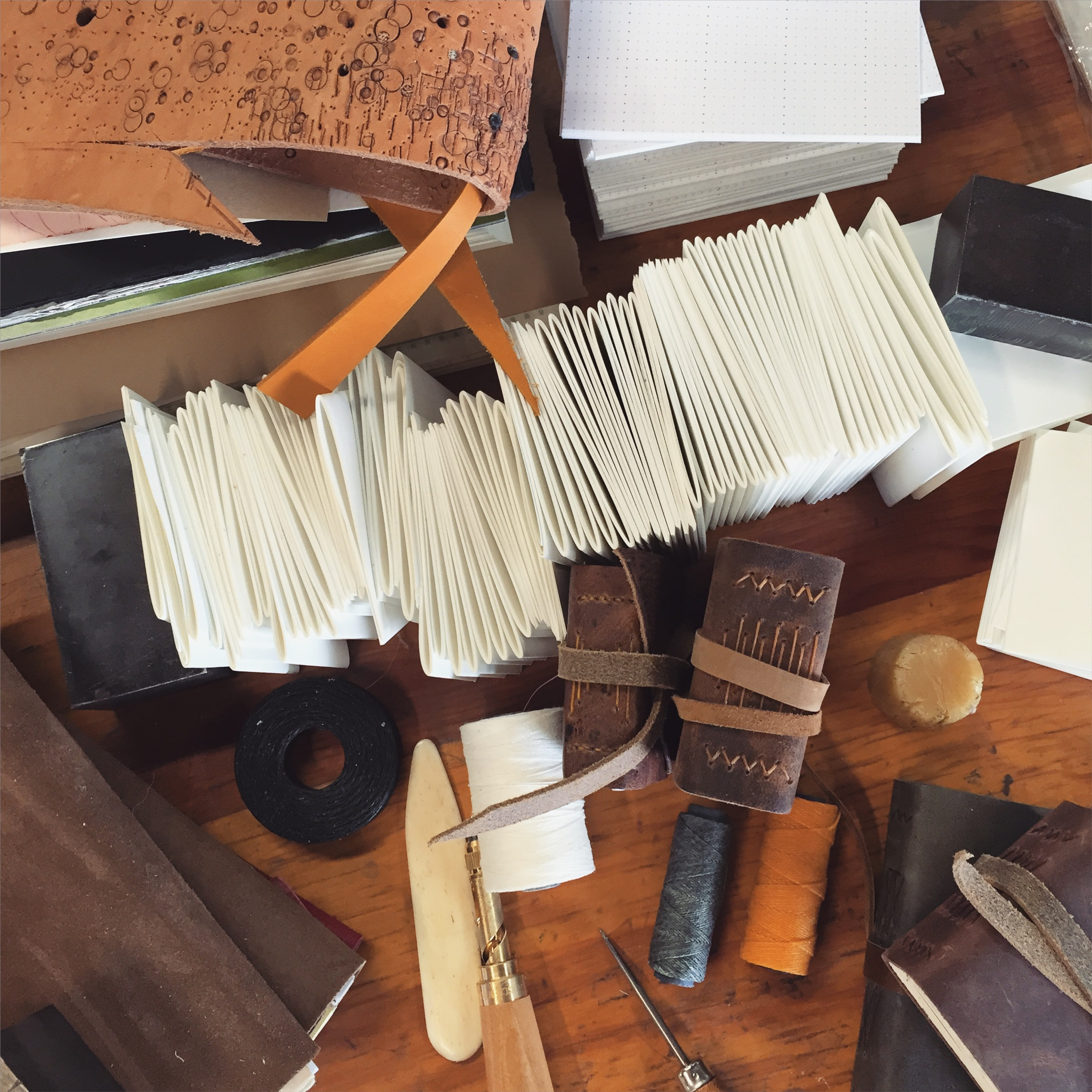 Quill and Arrow : Bookbinding Studio