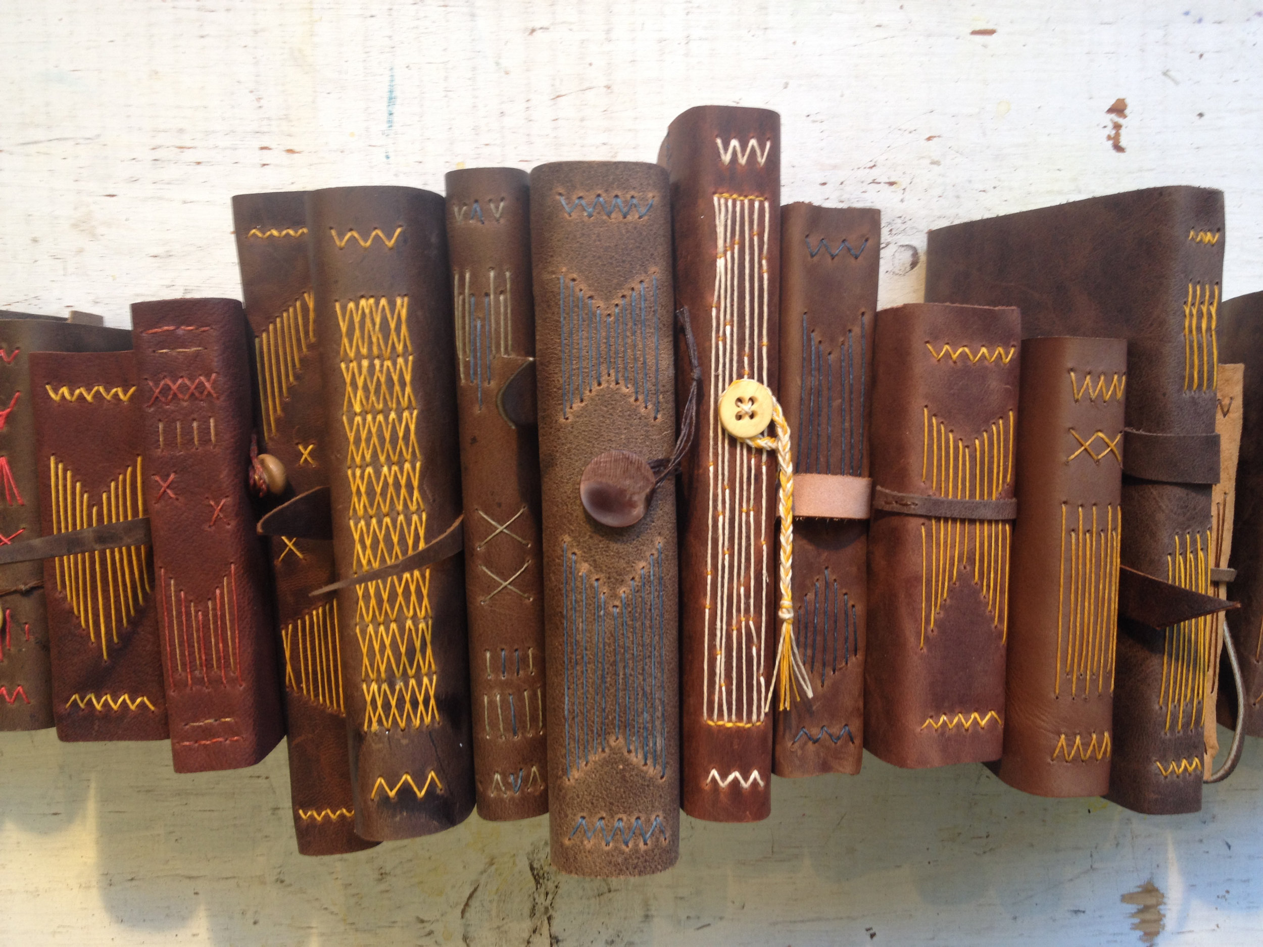 Quill and Arrow : Leather Longstitch Journal Spines