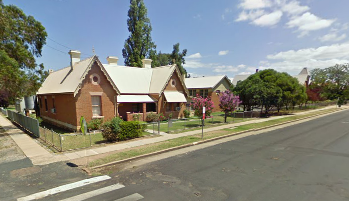 The Residence (Cnr of Perry St and Denison St)