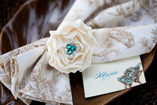 2-napkin-ring-place-card-close.jpg