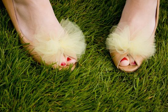 6-ps-bwb-051611-shoeclips.jpg