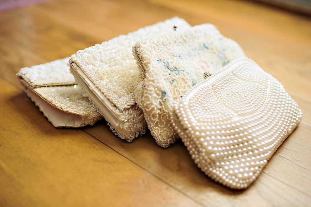 bridesmaids-pearl-clutches.jpg