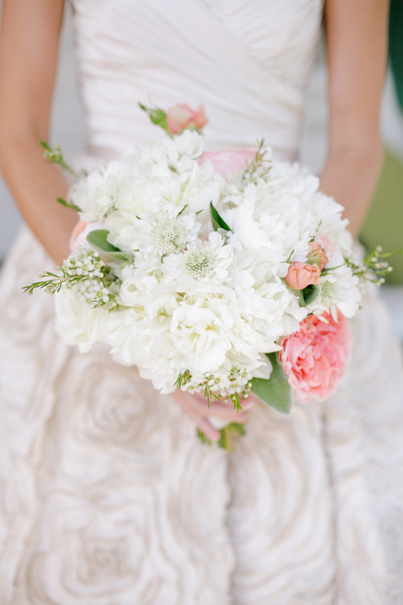 bridal bouquet from a Southern Wedding| photo by www.annabellacharles.com