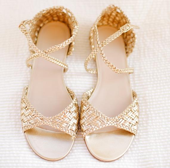pretty #gold #wedding #shoes| photo by www.annabellacharles.com
