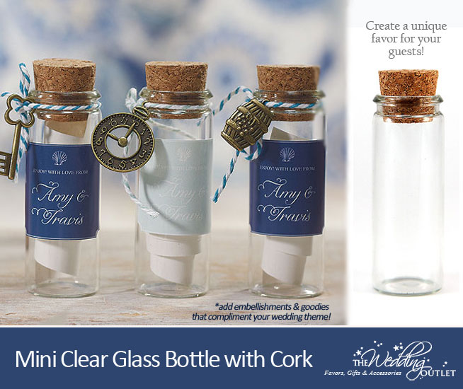 clear glass bottles in mini size with corks : perfect favor packaging for the #DIY bride #weddingfavors