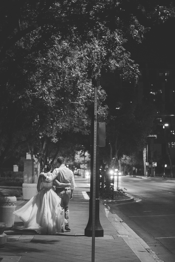 guiet stroll after a Las Vegas Wedding | photo by The Amberlight Collective