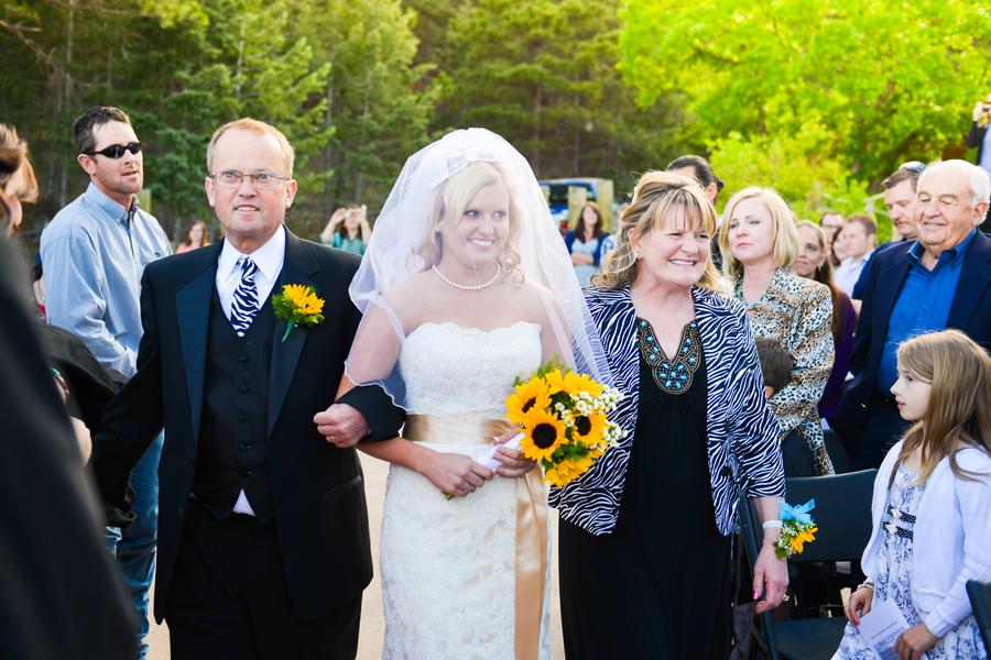 colorado-zoo-wedding-102813-6-mom-dad.jpg