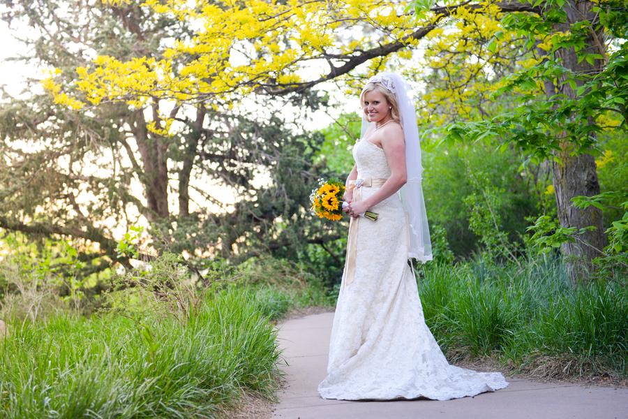 colorado-zoo-wedding-102813-mini-bride.jpg
