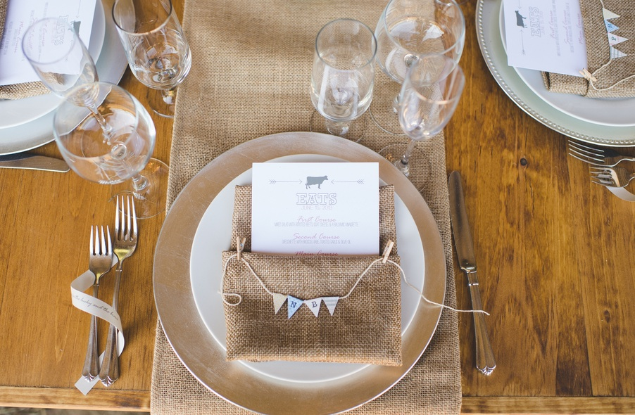 Rustic Wedding Tablesetting | photo by Jessica Oh Photography