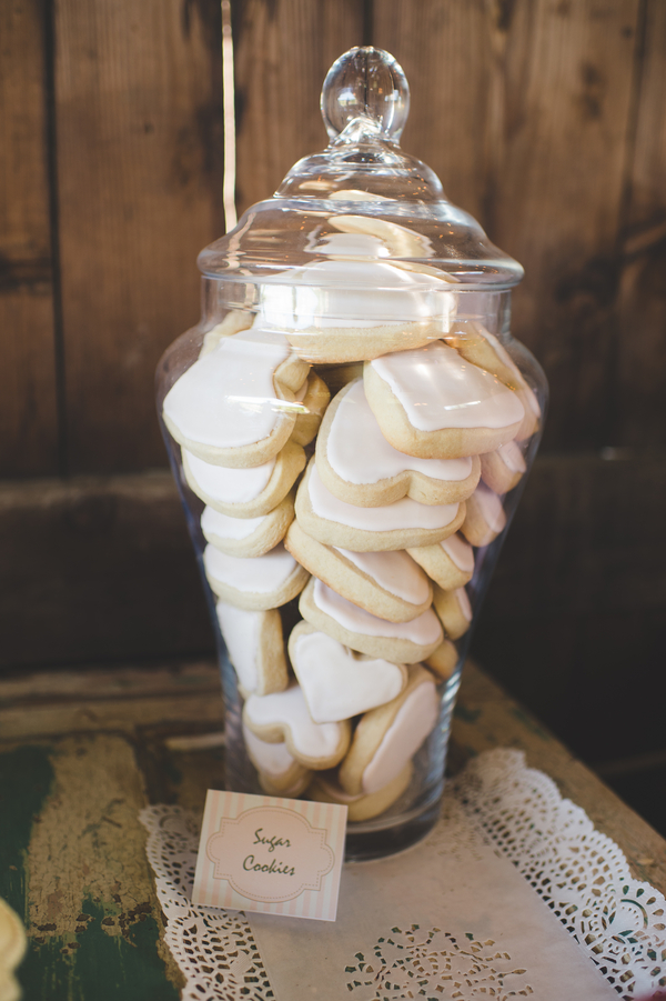 iced heart wedding cookies | photo by Jessica Oh Photography