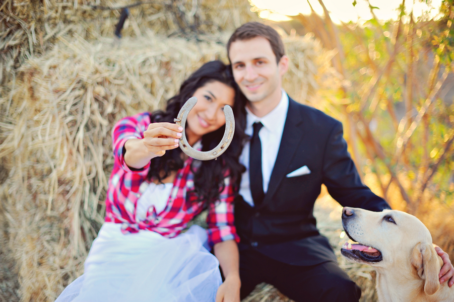 Day After Session, the happy couple with a horseshoe for good luck | from Arina B Photography
