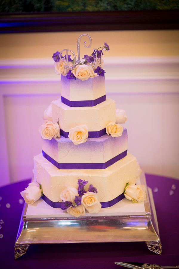 4 tier hexagon shaped wedding cake | photo by Portrait Design by Shanti