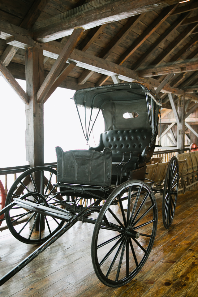 antique carriage at Riverside Farm in Vermont for weddings - photo by Jasmine Lee Photography