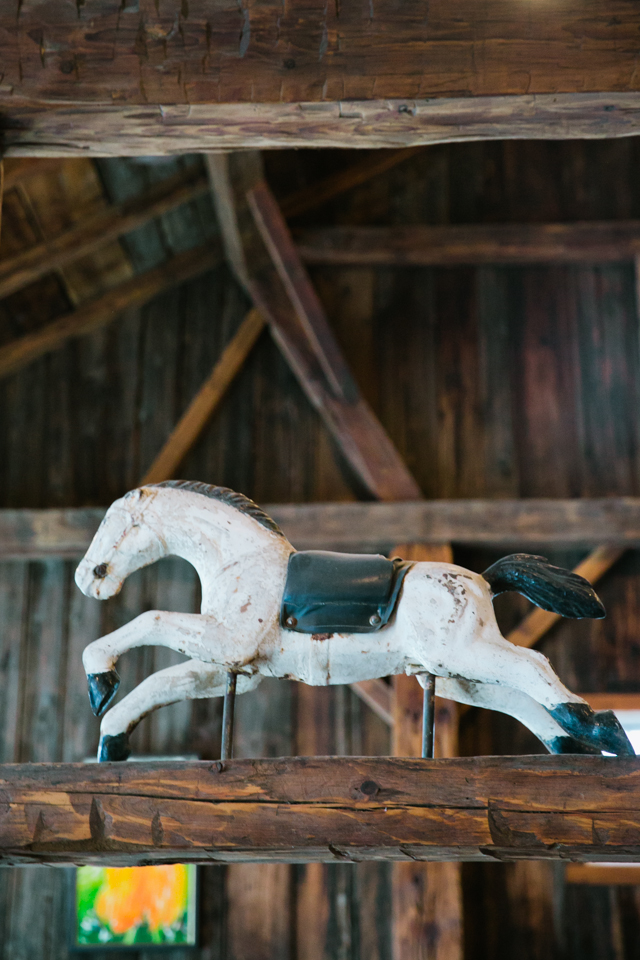 antique horse sculpture at Riverside Farm in Vermont for weddings - photo by Jasmine Lee Photography