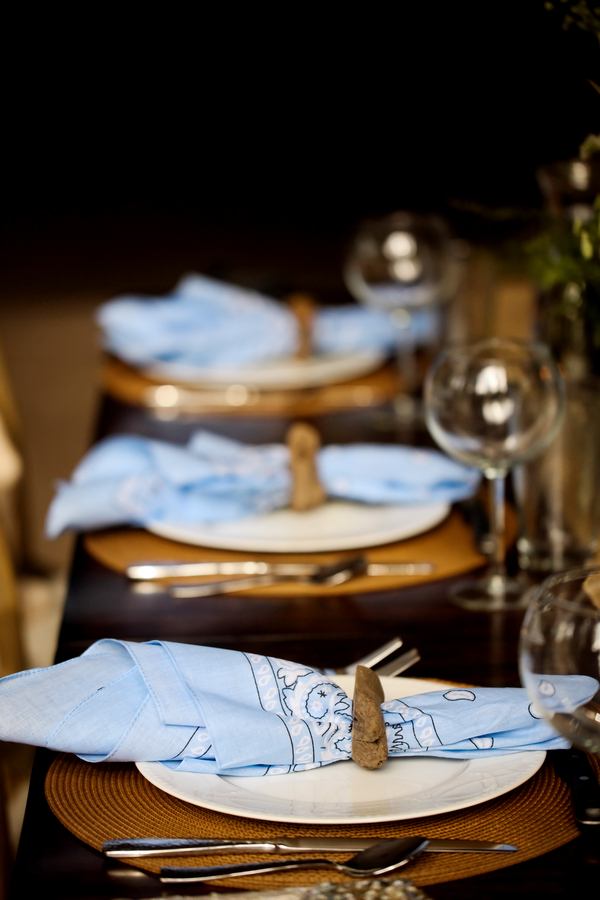 rustic wedding table setting with blue bandanas as napkins | Pepper Nix Photography
