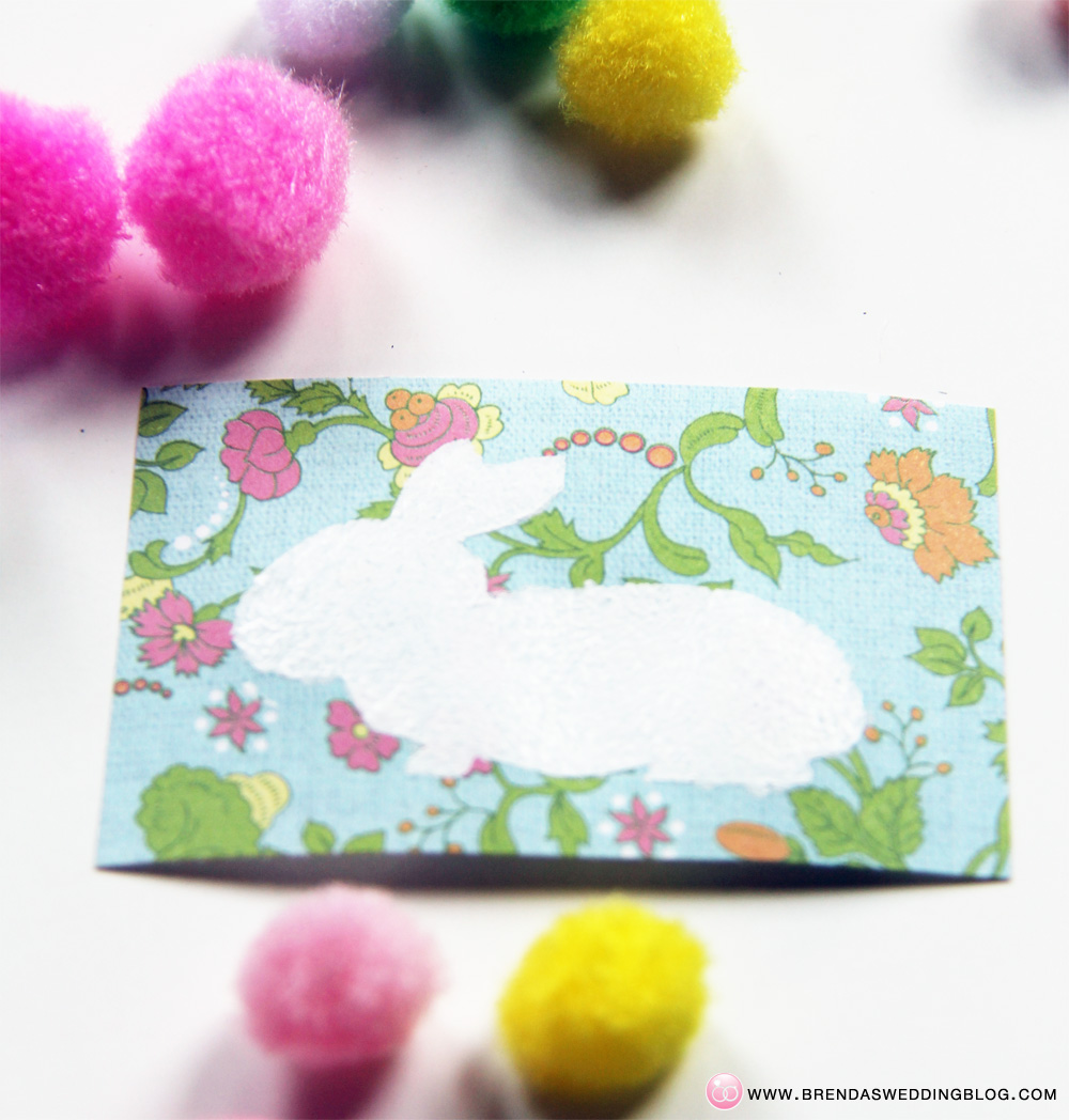 Stamped Bunny Tag DIY Tutorial - using paint, xyron glue dots + pom-poms | DIY on www.brendasweddingblog.com/blogs/2014/4/18/pom-pom-stamped-bunny-tags-a-fun-last-minute-easter-diy