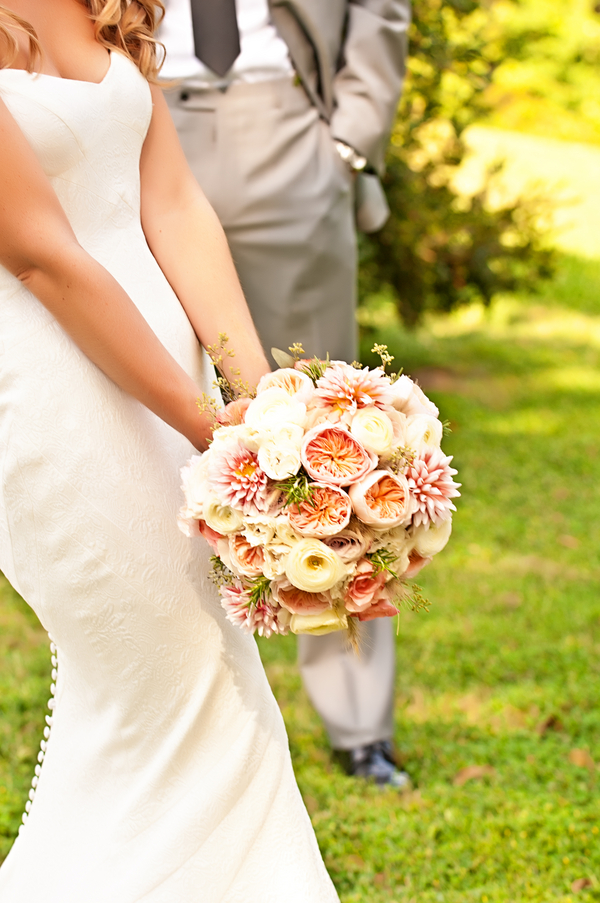 Beautiful peach and yellow wedding bouquet | photo by wwww.EverAfterVisuals.com as seen on www.brendasweddingblog.com