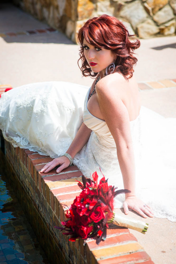 Hollywood Glam Styled Bridal Shoot | photo by The Story Telling Experience