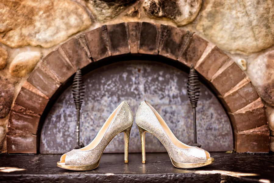 Sparkly Wedding Shoes | Photo by William Innes Photography | via www.brendasweddingblog.com