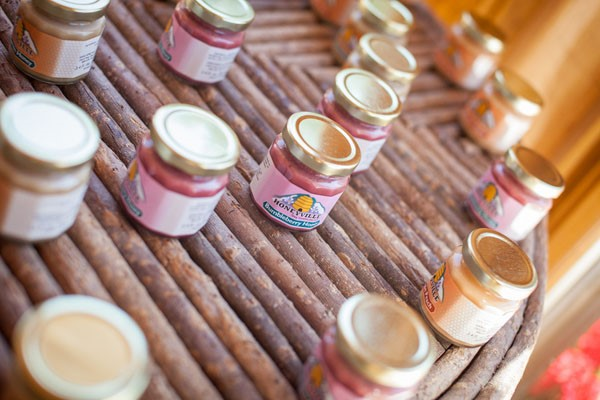 Rugged Mountain Wedding in Colorado / Spice Jar Wedding Favors / photo by Grace Combs Photography