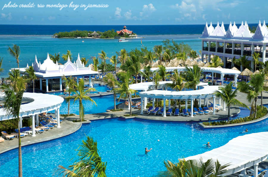 RIU Montego Bay in Jamaica | perfect destination wedding and honeymoon location | as seen on www.BrendasWeddingBlog.com