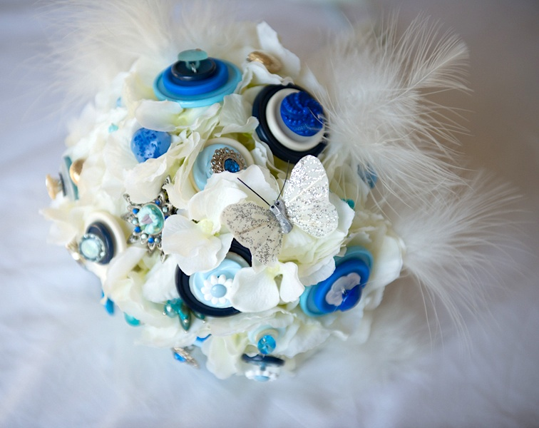Handmade Bridesmaids Brooch Bouquet with buttons, rhinestones and feathers {made by the mother of the bride} | photo by Tracey Ann Photography / as seen on www.BrendasWeddingBlog.com