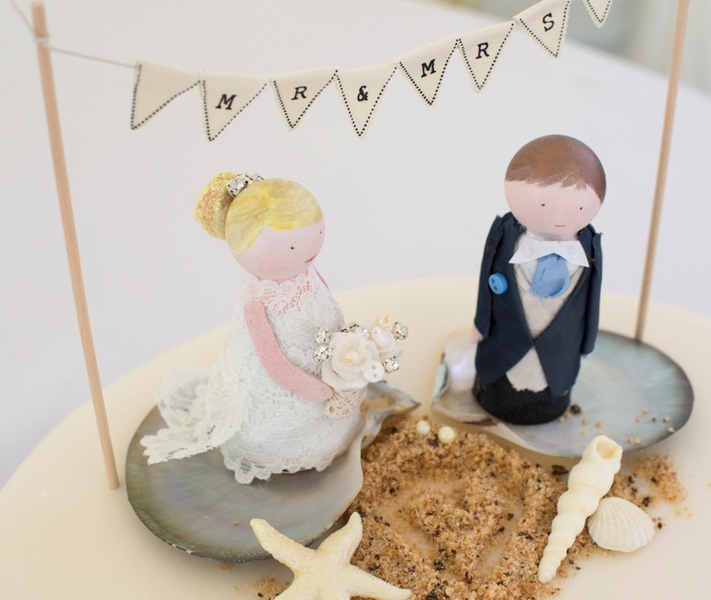 Adorable Wedding Cake Topper Peg Dolls - made by the Mother of the Bride | photo by Tracey Ann Photography / as seen on www.BrendasWeddingBlog.com