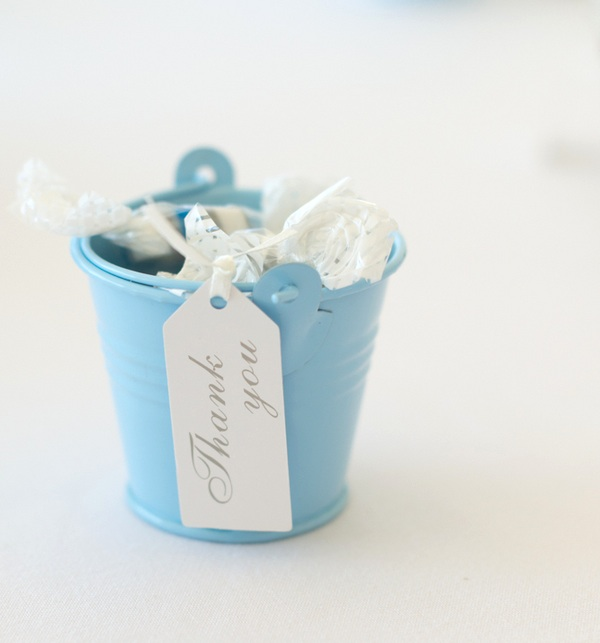Thank You Wedding Favor Pails / Seaside Wedding Reception in the UK | photo by Tracey Ann Photography / as seen on www.BrendasWeddingBlog.com