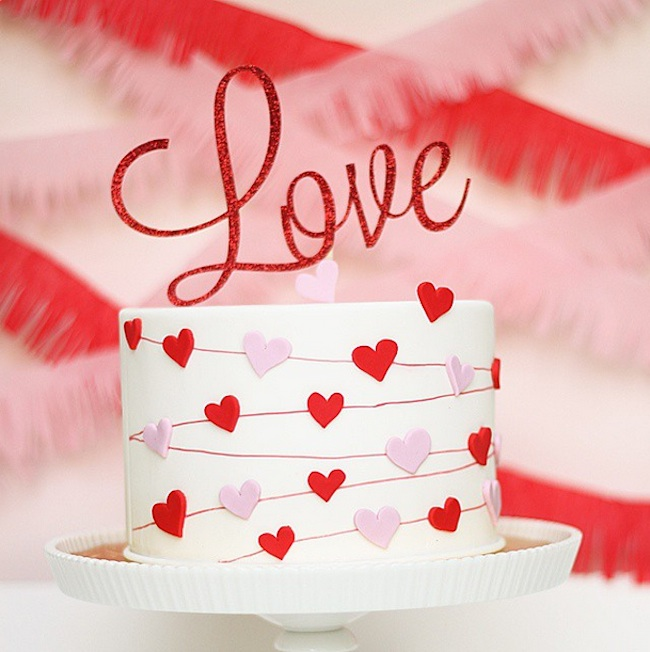 "Single Tier Heart Garland ""Love"" Wedding Cake from Kitty Wong Pastry Shop / as seen on www.GiggleHearts.com"