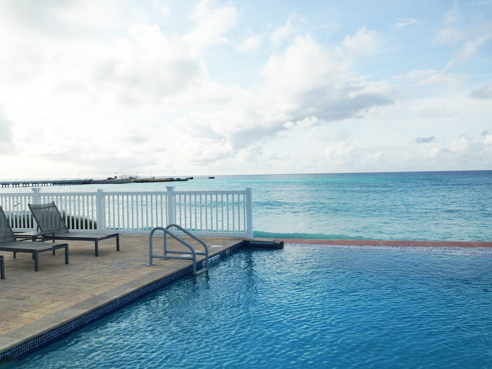Infinity Pool at Resorts World in The Bahamas : the perfect location for destination weddings and honeymoons / as seen on www.BrendasWeddingBlog.com