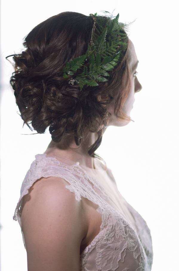 A Beautiful Bridal Hairstyle with a Fern Headpiece / photo by Corey Lynn Tucker Photography / as seen on www.BrendasWeddingBlog.com