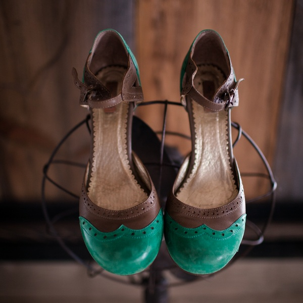 Beautiful Vintage Wedding Shoes in Verdant Green / photo by Corey Lynn Tucker Photography / as seen on www.BrendasWeddingBlog.com