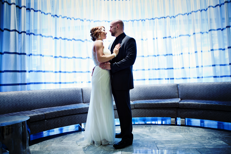 Such Great Lighting in this Bride and Groom Portrait from their Chicago Wedding / photo by Emily Gualdoni Photography / as seen on www.BrendasWeddingBlog.com