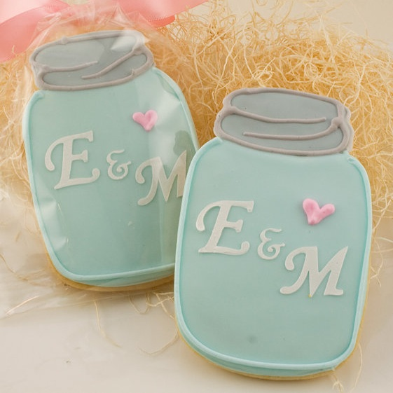 Mason Jar Monogrammed Wedding Cookie Favors from Truly Scrumptious Cookies / as seen on www.BrendasWeddingBlog.com