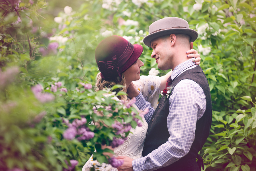 A Gorgeous Colorado Wedding with a Bride in her Maroon Hat / photo by Annabelle Denmark Photography